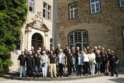 Mitglieder - Gruppenbild nach der Oldtimer Präsentation 2014 auf Schloss Namedy - 56626 Andernach / Rhein